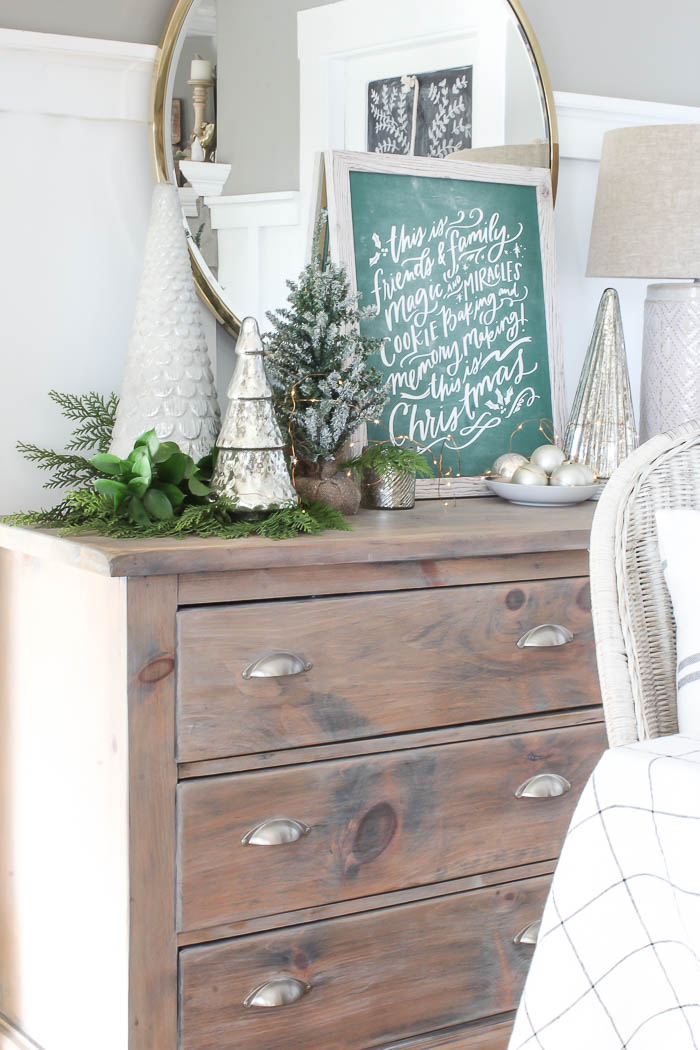 Styling a Christmas Vignette