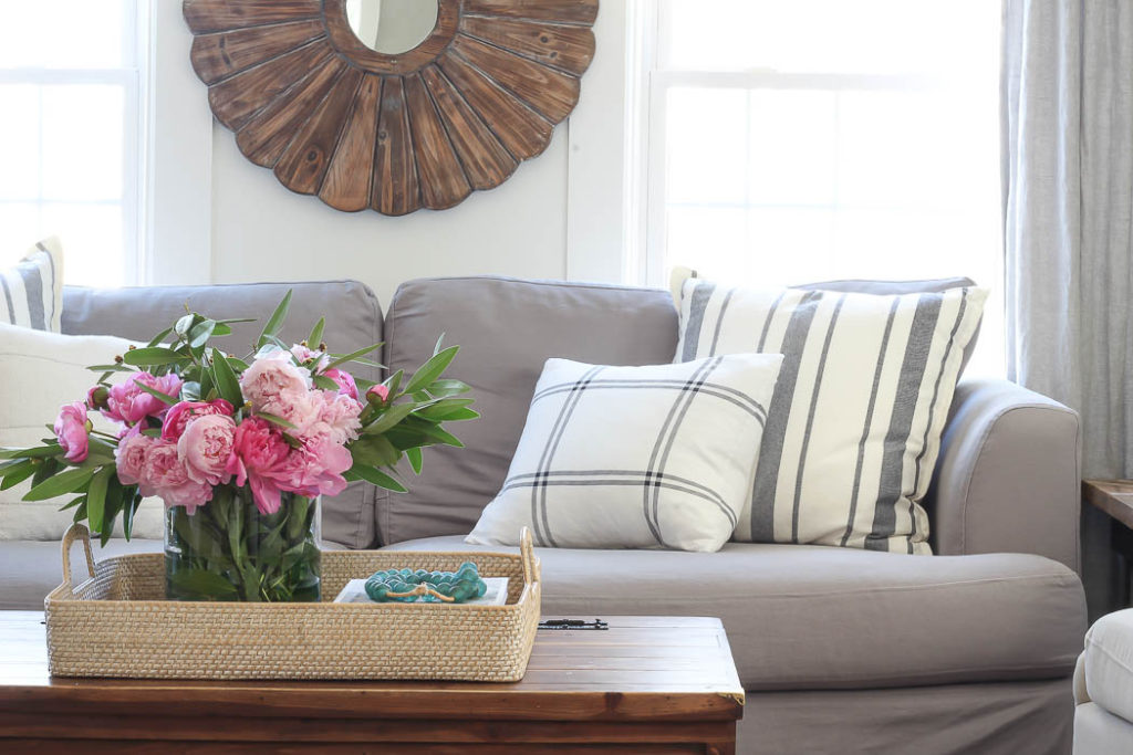Spring Living Room | Rooms FOR Rent Blog