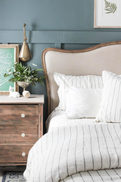 Bedroom Christmas Decor | Rooms FOR Rent Blog