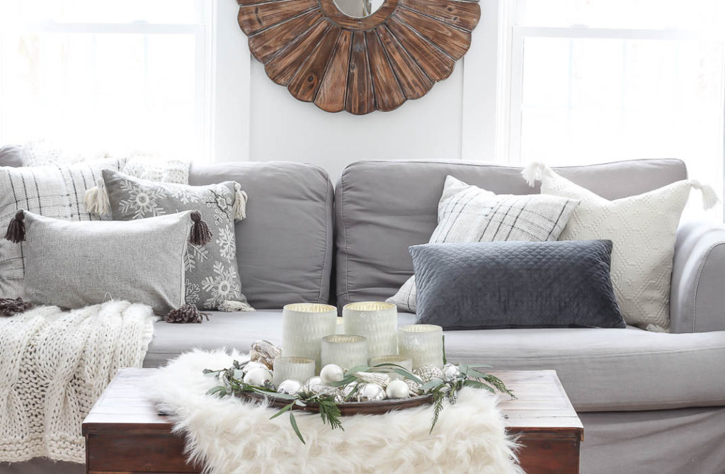 Christmas in the Living Room | Rooms FOR Rent Blog