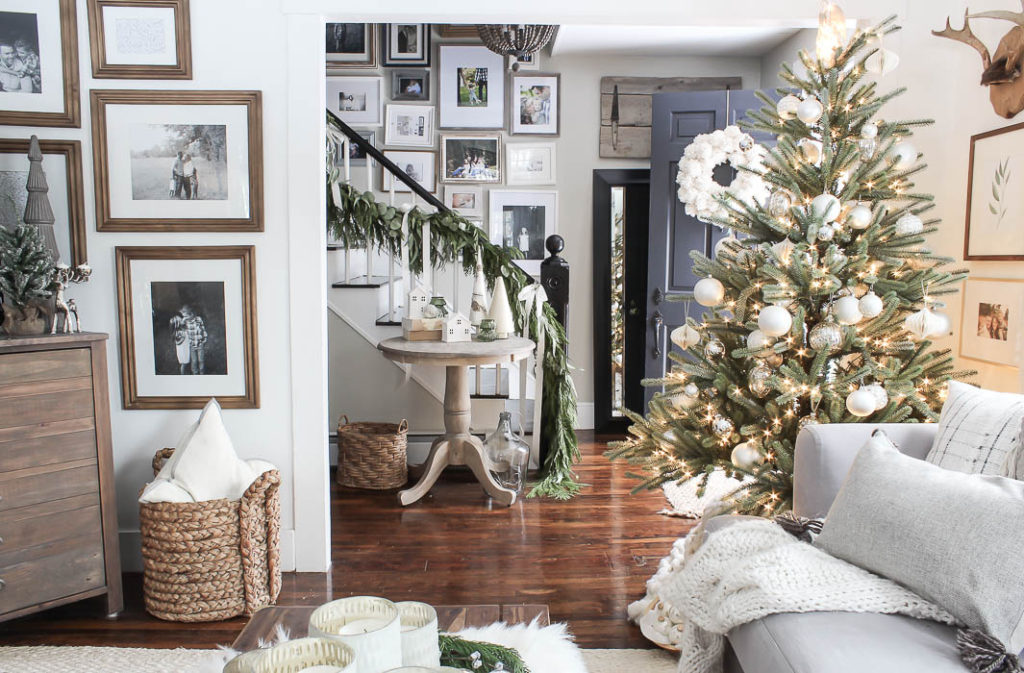 Farmhouse Christmas Tour | Rooms FOR Rent Blog