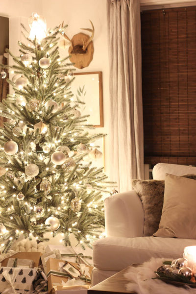 Christmas Lights at Night | Rooms FOR Rent Blog