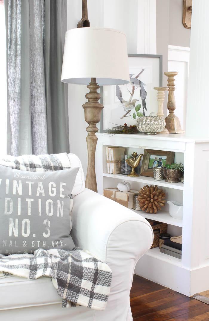 Room For Rent Design: Fall Decorating Vignette