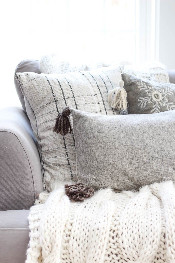 Cozy Throw Pillows A Giveaway Rooms For Rent Blog